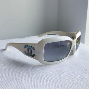 Vintage Chanel 5067 H CC Logo Designer Sunglasses